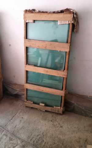 Продам: СТЕКЛО ЛИСТОВОЕ: 1300x500x5 мм., 1 ящик