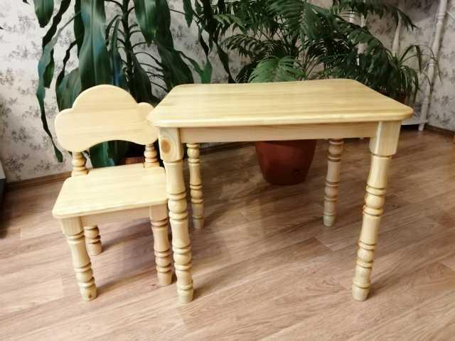 Продам: Детский столик и стул