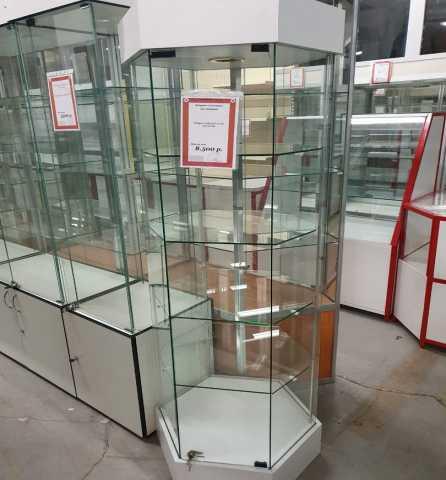 Продам: Витрина стеклянная шестигранная