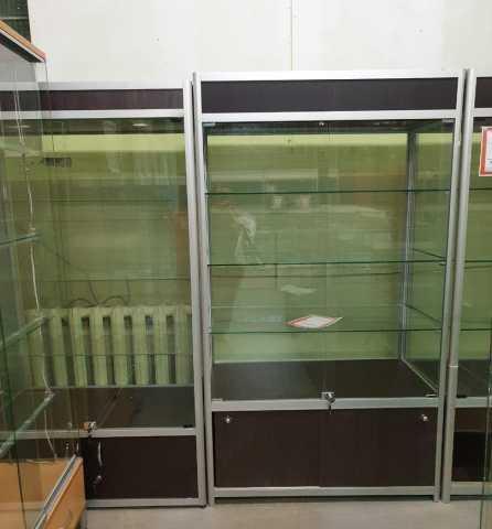 Продам: Витрина торговая со стеклом венге
