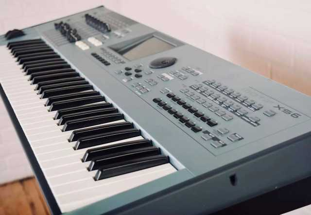 Продам: Yamaha Motif XS6 Synth Workstation