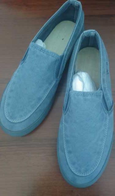 Продам: Джинсы обувь