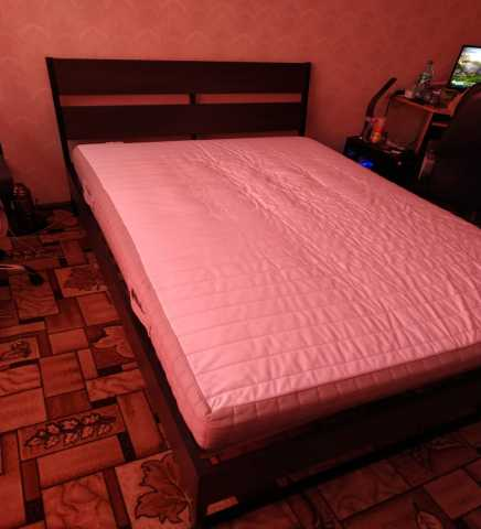 Продам: Кровать двуспальная IKEA