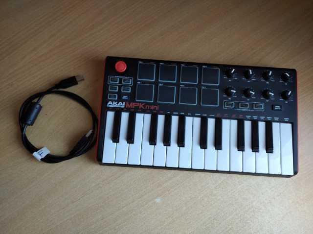 Продам: Миди-клавиатура akai PRO MPK mini MK2