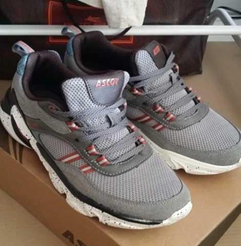 Продам: Новые мужские кроссовки Ascot