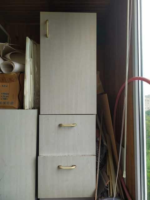 Продам: хозяйственный светлый шкаф