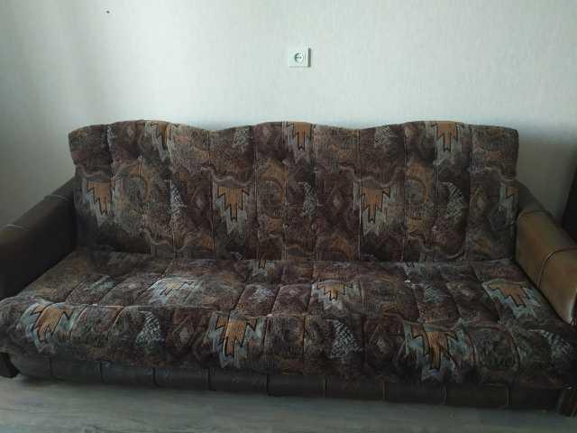 Продам: Диван и кресла