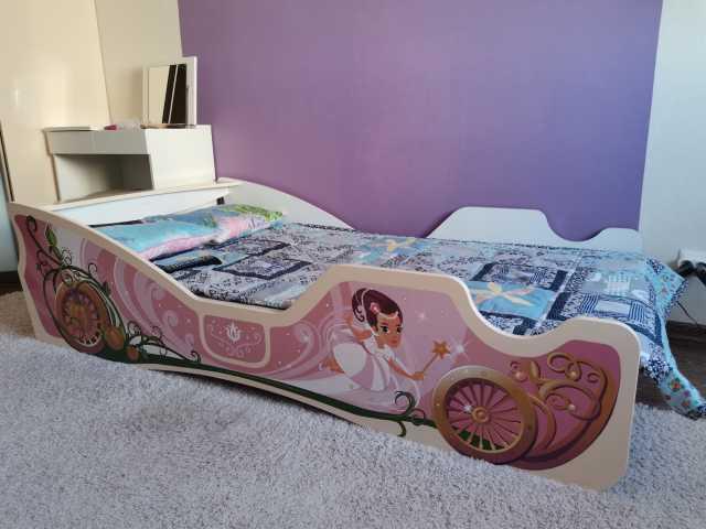 Продам: Кровать для девочки