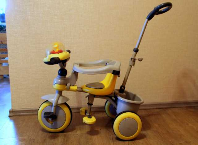 Продам: Детский 3х-колесный велосипед с ручкой