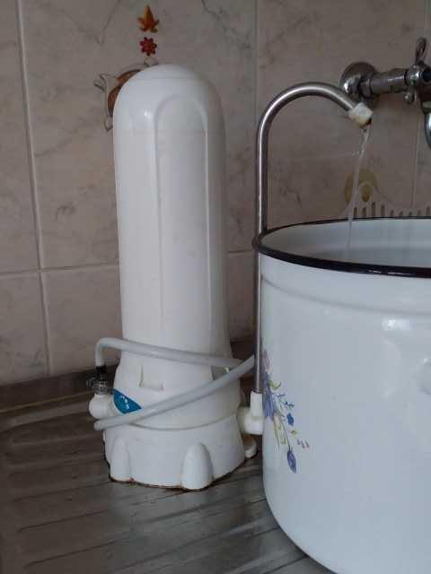 Продам фильтр очистки воды бу настольный для