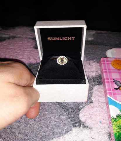 Продам: Кольцо золотое