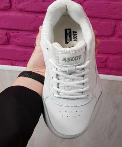 Продам: Кроссовки Ascot