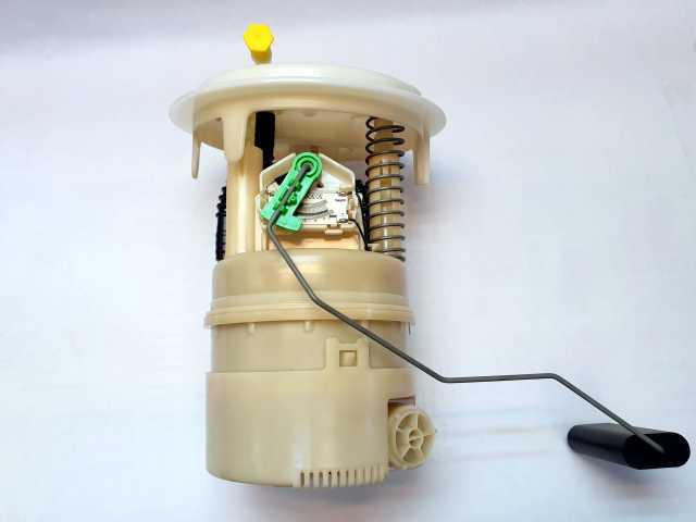 Продам: Топливный насос CITROEN/PEUGEOT 1525 NQ