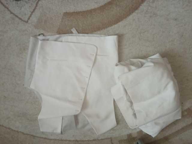 Продам: костюм белый свадебный