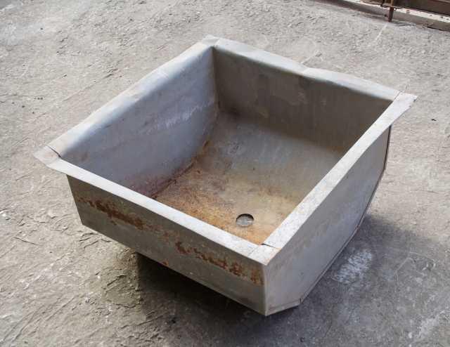 Продам: Ванна моечная (мойка) из оцинковки 50*50