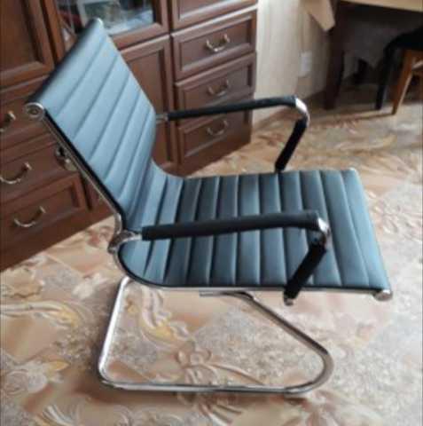 Продам: Офисный стул