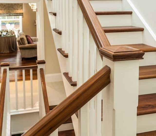 Продам: пиломатериалы и деревянные лестницы