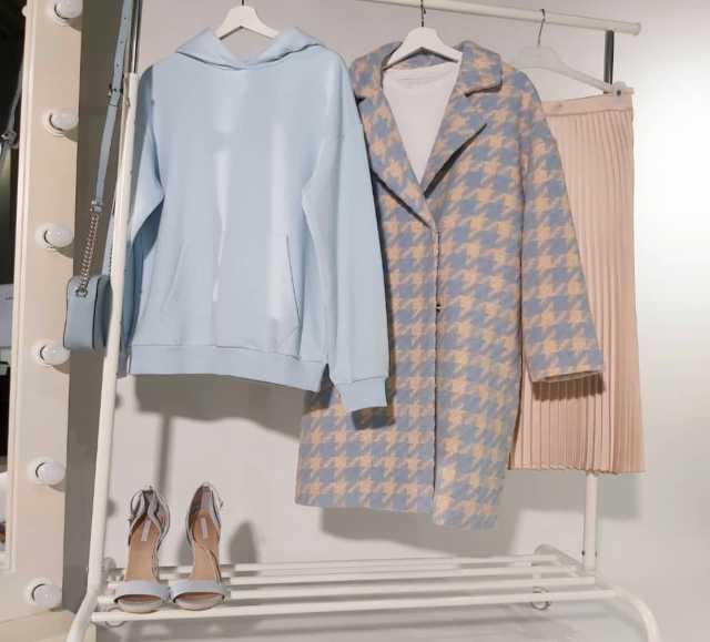 Продам: Женское пальто Tom Farr