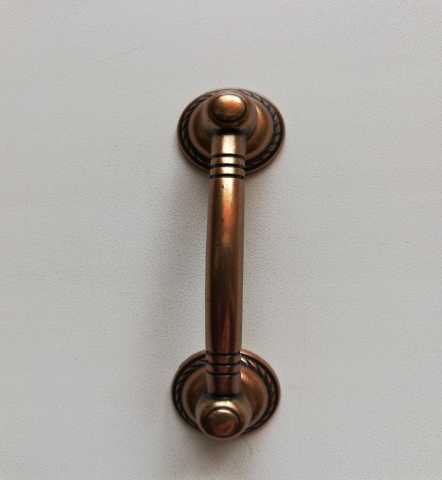 Продам: Ручка-скоба 64 мм