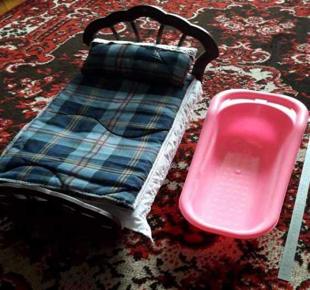 Продам: Ванночка и кроватка с постельным бельём