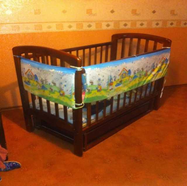 Продам: Детская кровать с маятником