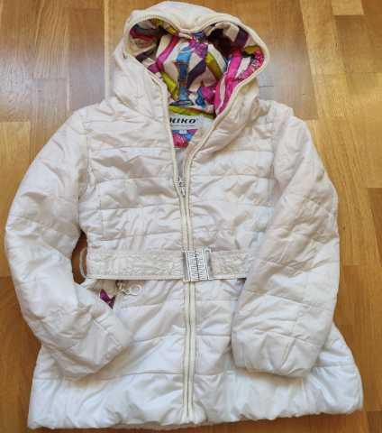 Продам: Куртка Kiko белого цвета с поясом