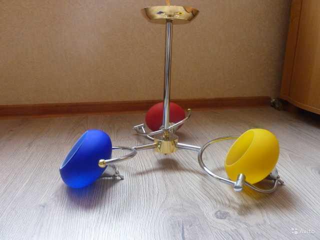 Продам: Люстра и бра для детской комнаты (компле