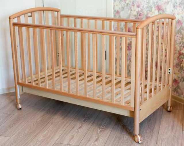 Продам: Детская кроватка с матрасом Pali Ciak