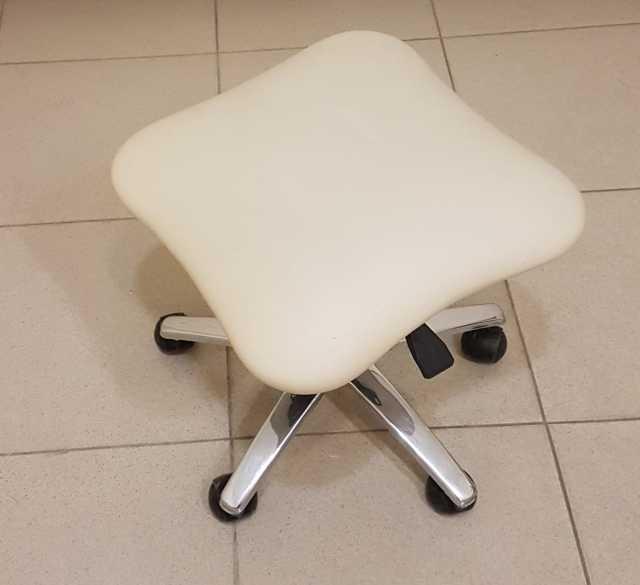 Продам: стульчик мастера