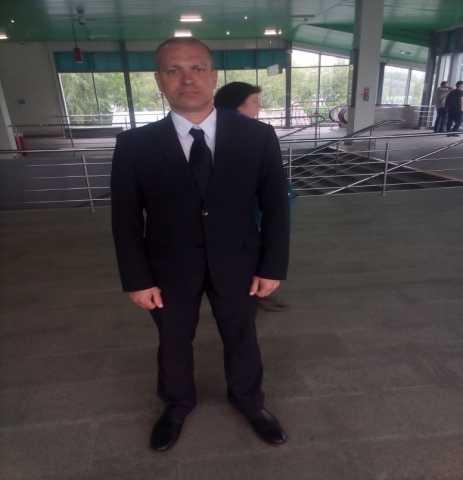Вакансия: Охранники на пропуск в здание в хостел