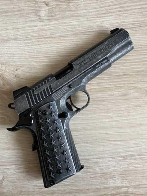 Продам: Пневматический пистолет SIG Sauer 1911
