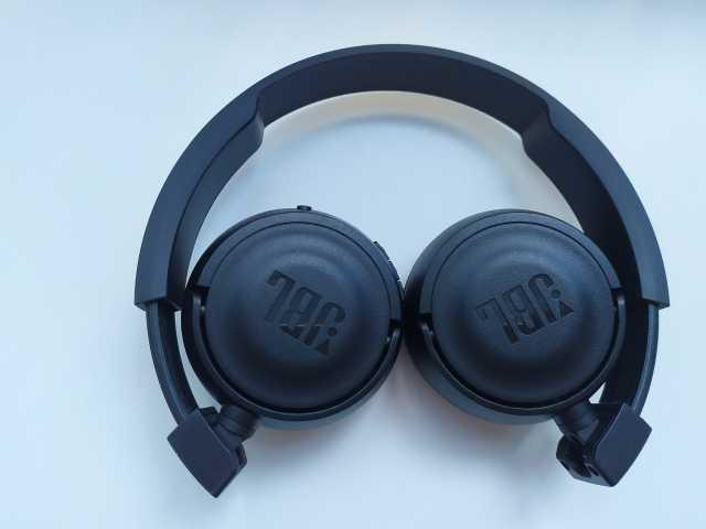 Продам: JBL450BT