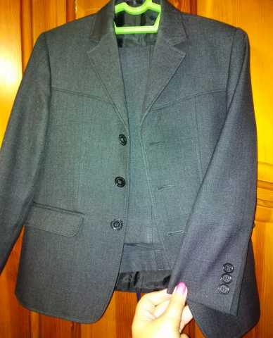 Продам: костюм-двойка серого цвета для мальчика