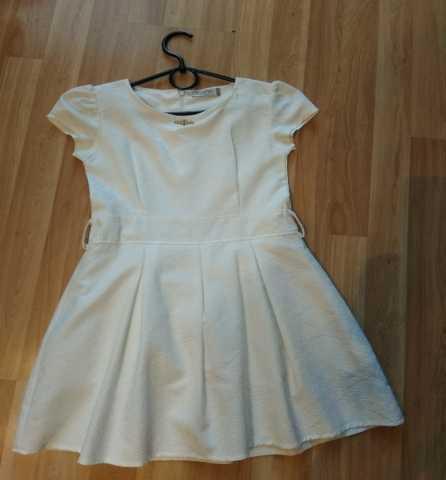 Продам: Платье детское с подъюбником