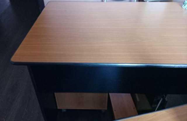 Продам: Столы офисные с тумбами или без тумб