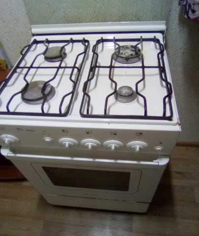Продам: Газовую плиту б.у для дачи