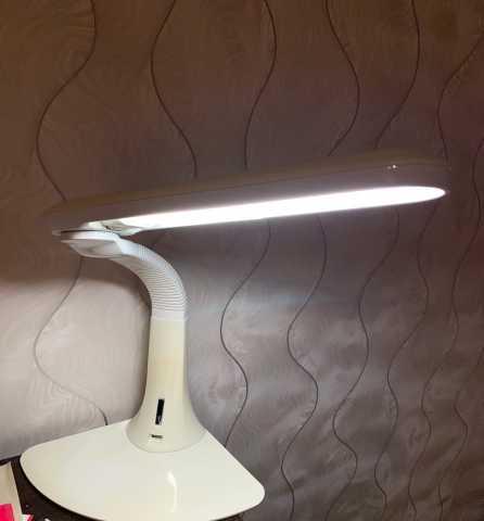 Продам: Лампа настольная