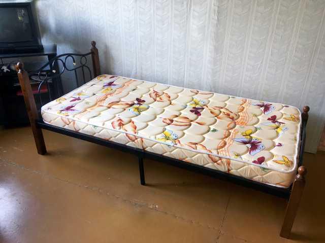 Продам: Кровать односпальная с матрасом