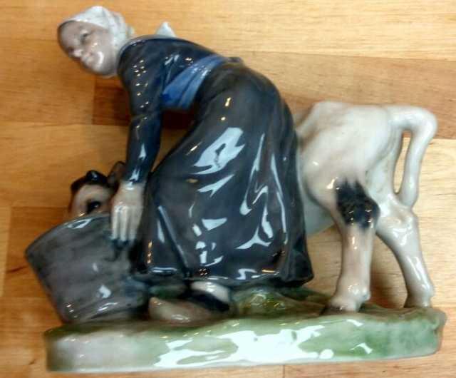 Куплю: фарфоровые статуэтки и агитационный