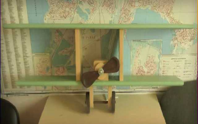 Продам: Полка-самолет для детской