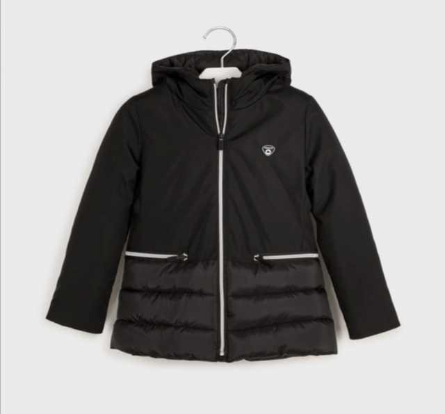 Продам: Новая куртка для девочки Mayoral