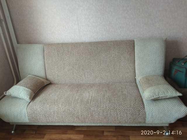 Продам: диван, кресло, тумбу для белья, мини сте
