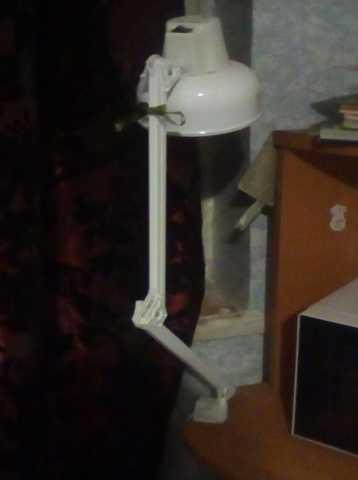 Продам: Настольная лампа