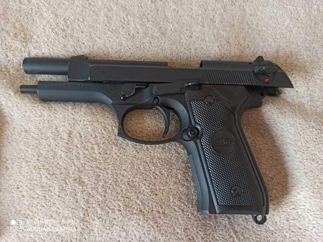 Продам: Пистолет пневматический Берета