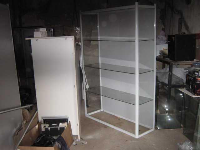 Продам: Стеклянная витрина