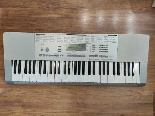 Продам: Синтезатор casio lk-280