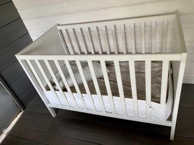 Продам: Детская кроватка IKEA + матрас+ белье