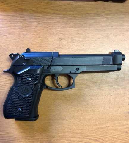 Продам: Пневматический Umarex Beretta M92 FS
