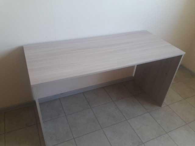 Продам: Офисные столы, стулья, шкаф, стеллаж