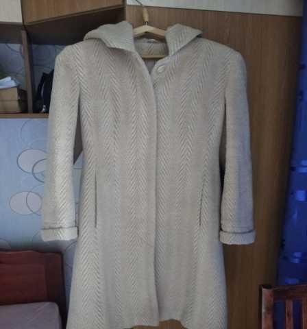 Продам: Пальто демисезонное